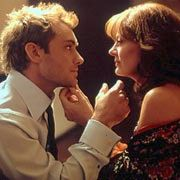 Jude Law as Alfie and Susan Sarandon as Liz in Alfie